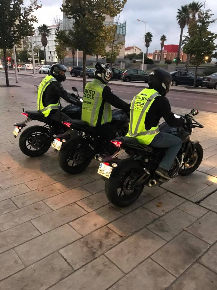 Moto sport école de conduite